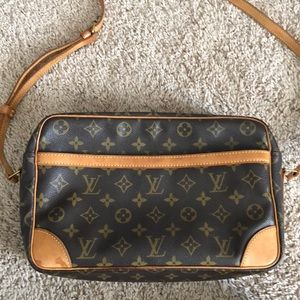 Louis Vuitton Trocadero Large Messenger Bag